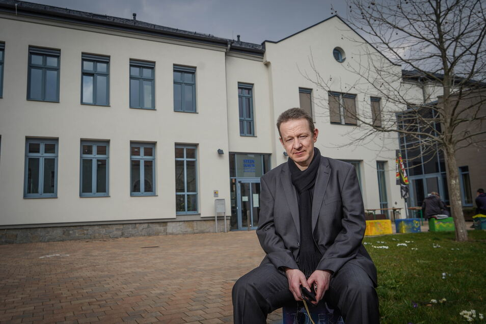 Die Stadt Bautzen kürzt ihre Zuschüsse für soziale Träger. Torsten Wiegel, Leiter des Steinhauses, warnt vor den Konsequenzen.