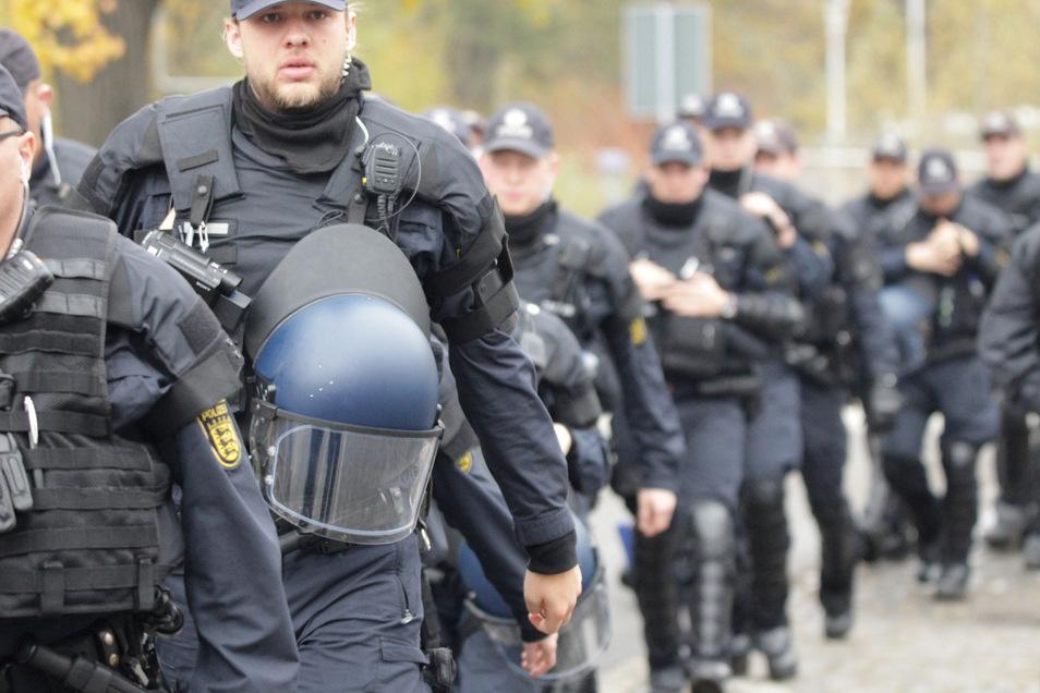 Die Polizei wird am Wochenende wieder mit großem Aufgebot in Ostritz anrücken.