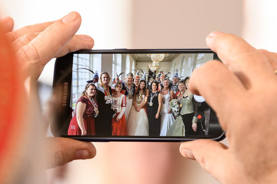 """Beim Webinar """"Filmen"""" zeigen Experten, wie ein Film mit einem Smartphone entsteht."""