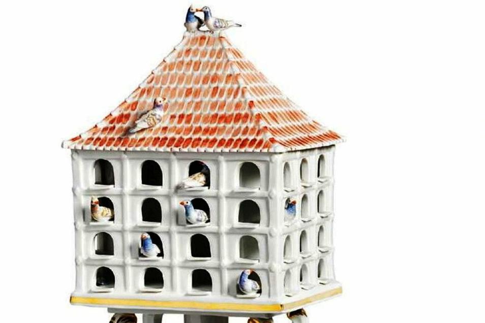 Zu den Glanzstücken des Taubenmuseums in Nürnberg gehört ein Taubenhaus aus Meissener Porzellan.