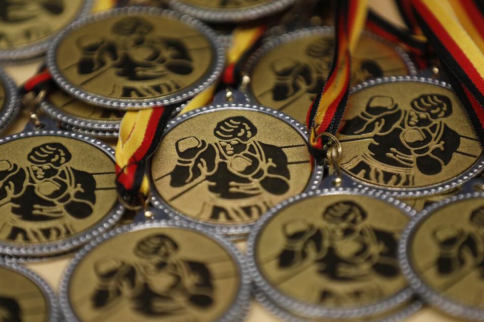 Wer am besten austeilt, bekommt am Ende Pokale und Medaillen.