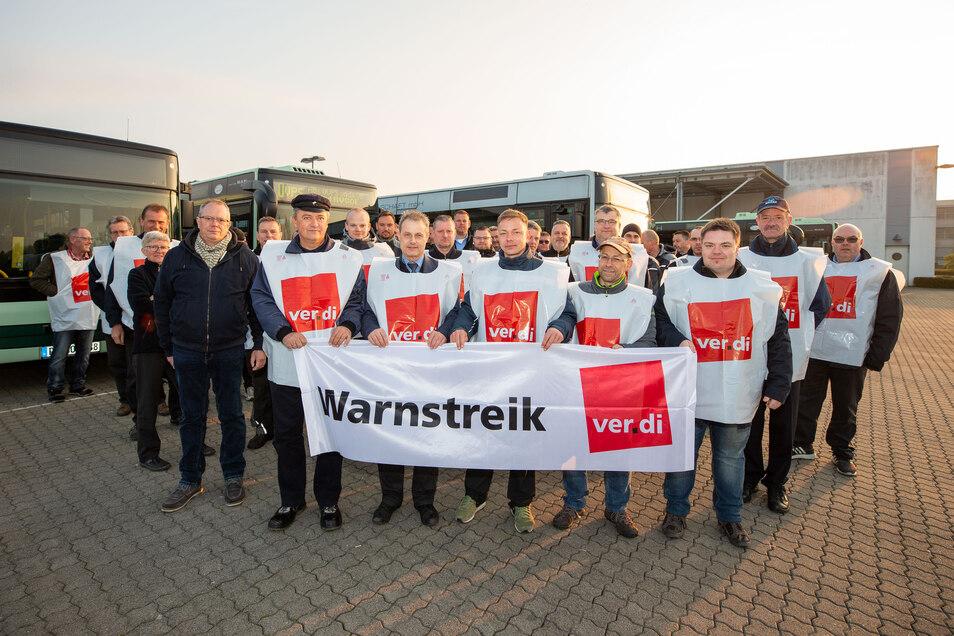Am 8. Mai sind Beschäftigte des Regionalverkehrs in Sachsen erneut zu einem Warnstreik, wie hier am 10. April,  aufgerufen.