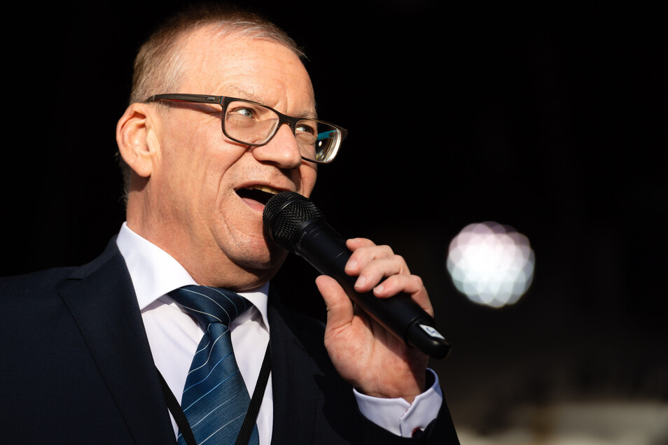 Radebergs Oberbürgermeister Gerhard Lemm ist bekannt für klare Worte. Jetzt hat sich der SPD-Politiker dafür ausgesprochen, bei der Landtagswahl den Direktkandidaten der CDU zu unterstützen.