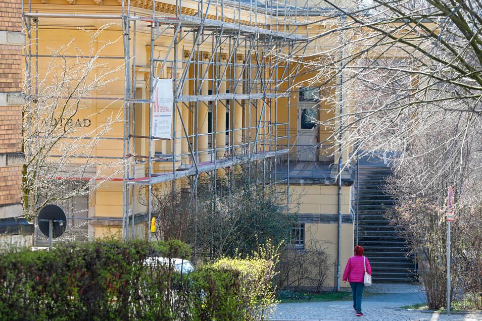 Am Zittauer Stadtbad wird derzeit gebaut.