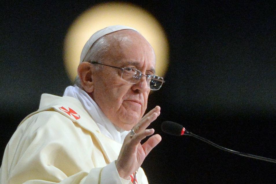 """Papst Franziskus fordert in seiner neuen Enzyklika """"Fratelli tutti"""" (Alle Brüder) eine radikale wirtschaftliche, politische und gesellschaftliche Wende."""