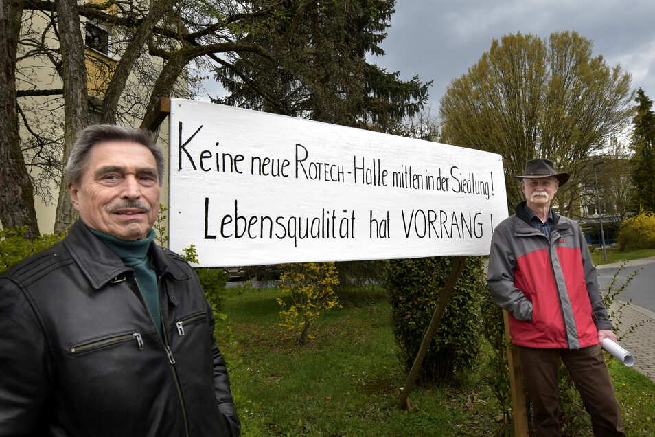 Dietmar Bulenda (li.) und Christoph Schuster sind gegen den Ausbau des Technologiezentrums in der Siedlung Rossendorf. Die Lebensqualität würde stark leiden, sagen sie.