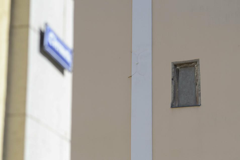 So sah die Nische an der Fassade jahrelang aus: leer.