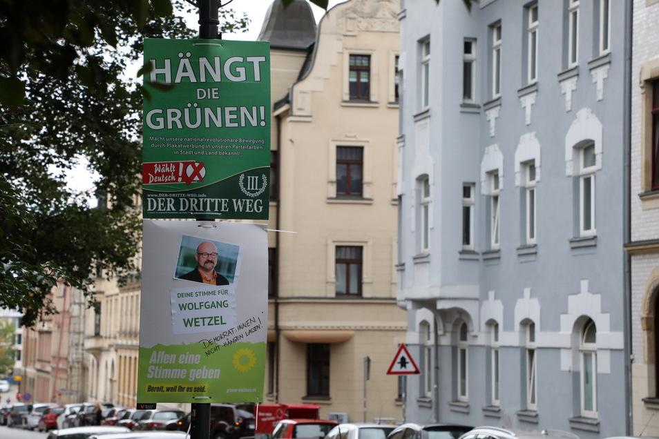 """Eines der Wahlplakate der Splitterpartei """"III Weg"""" in Zwickau: Eine Entscheídung des Oberverwaltungsgerichts in Bautzen dazu steht noch aus."""