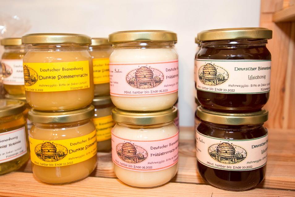 Familie Schumann stellt auch Honig her. Sie hat 30 Bienenvölker.