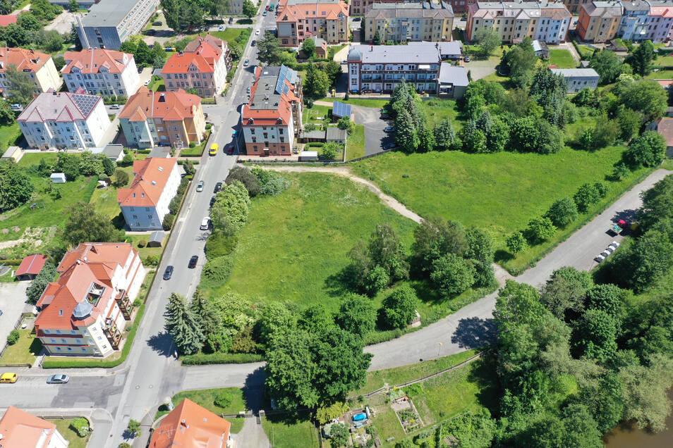 Auf dieser Fläche an der Zittauer Kreuzung West-/Pescheckstraße sollen Einfamilienhäuser entstehen.