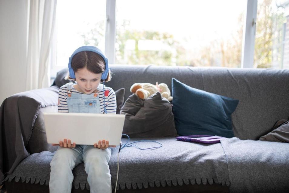 Das Internet gewinnt immer weiter an Bedeutung. YouTube ist für viele Kinder und Jugendliche dabei die Videoplattform Nummer eins und ein zweites Zuhause geworden.