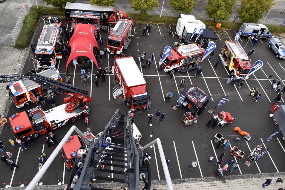 Auf dem Außengelände der Messe wurden zahlreiche Neuheiten unter den Feuerwehrfahrzeugen ausgestellt.