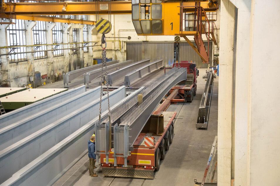 Blick in die Montagehalle des Stahlbaus Niesky.