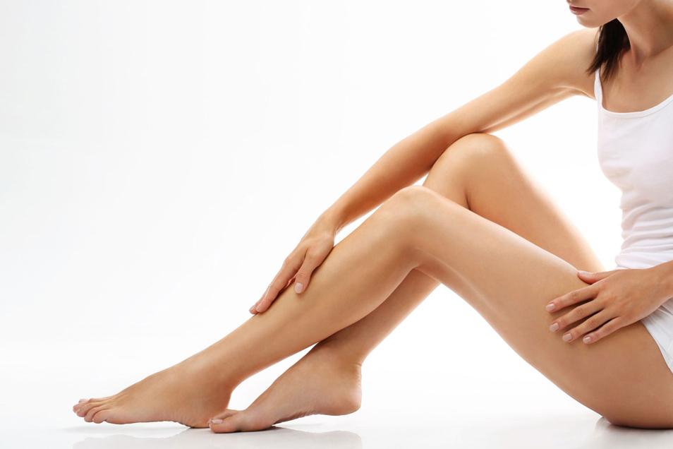Dauerhaft glatte Beine sind der Traum vieler Frauen. Mit ELOS kann dieser Traum endlich wahr werden.
