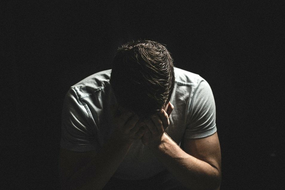 Schwerbehinderte, die kurz vor dem Rentenalter stehen, fallen öfter längere Zeit aus und fühlen sich auf Dauer zu krank zum Arbeiten.