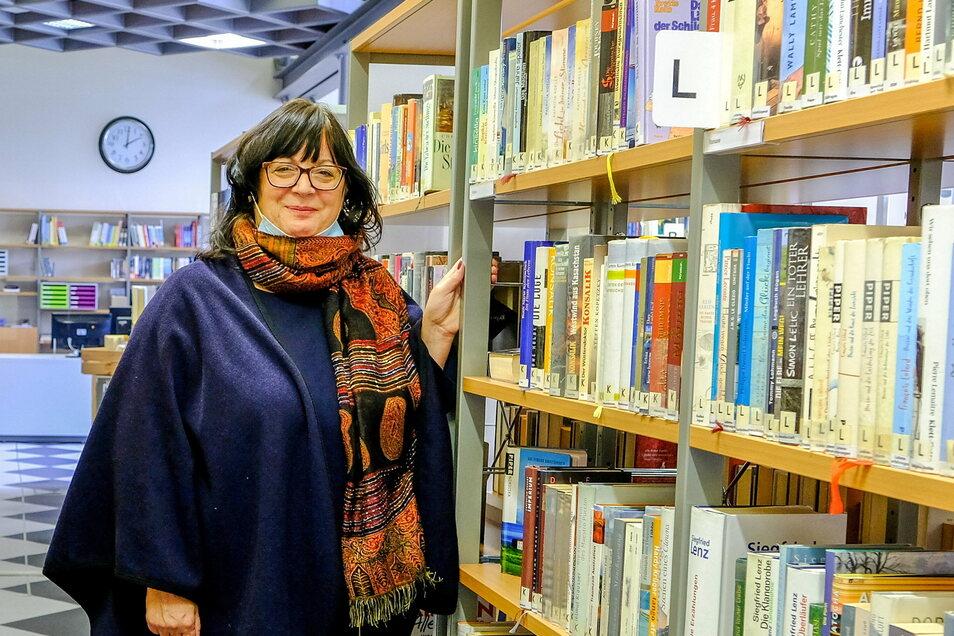 Kulturamtsleiterin Gabriele Lorenz konnte im Herbst dieses Jahres die Stadtbibliothek Radebeul-Ost im Kultur-Bahnhof nach Umbau in Betrieb nehmen.