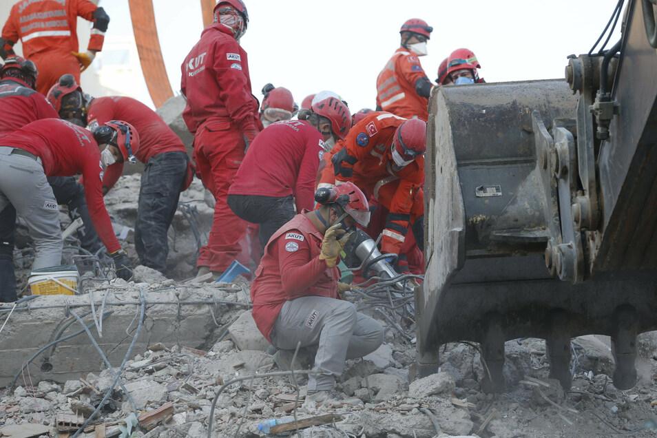 . Ein starkes Erdbeben in der Ägäis hat am 30.10.2020 in der Westtürkei und auf den griechischen Inseln für große Zerstörung gesorgt.