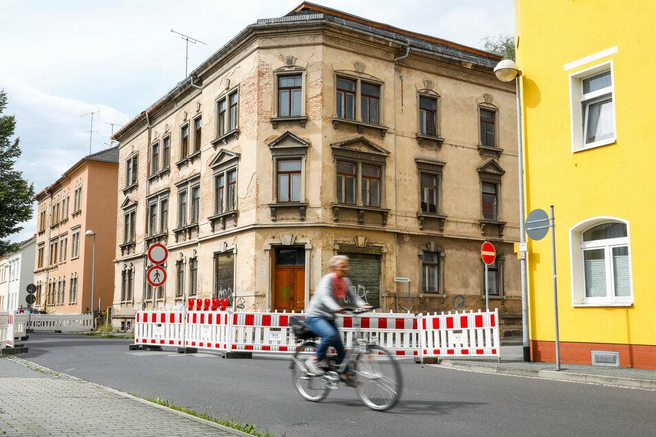 Die Weststraße ist wieder durchgängig befahrbar, die Vollsperrung vom Freitag aufgehoben.