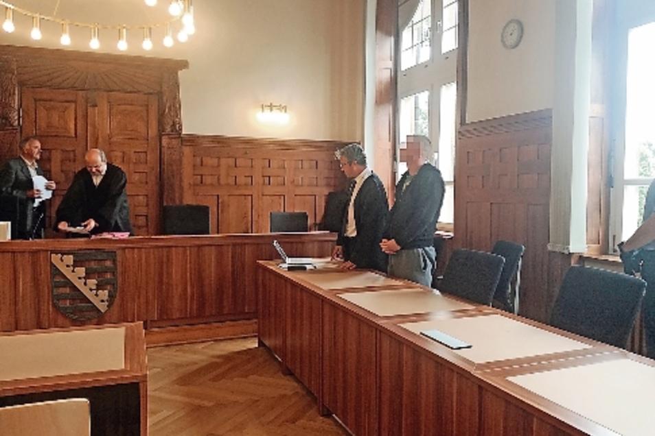 Im März zündete ein Mann in Kamenz die Wohnungstür seiner Ex-Freundin an. Nun schickte ihn Richter Dirk Hertle dafür ins Gefängnis.