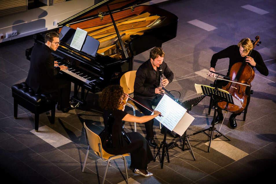 Pierre-Laurent Aimard (Klavier), Jörg Widmann (Klarinette), Jean-Guihen Queyras (Violoncello) und Isabel Faust (Violine) bei einem Messiaen-Konzert