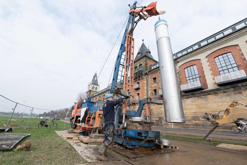 Ende März sollen alle Rohre in die Brunnen an der Saloppe eingebaut sein.