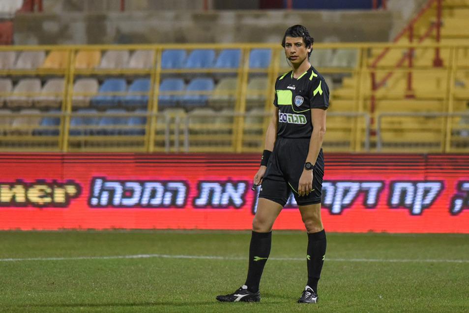 Schiedsrichterin Sapir Berman hat in Israel die volle Unterstützung.