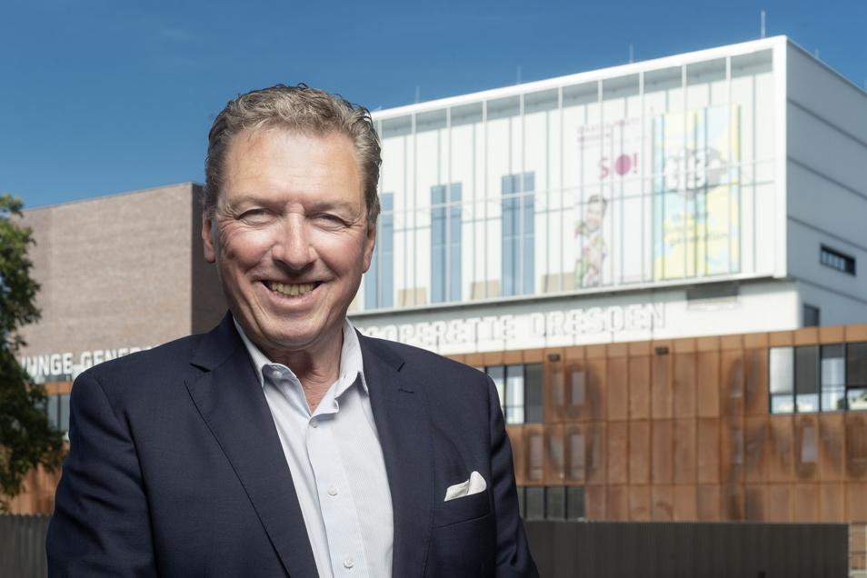 Wolfgang Schaller vor seinem Theater.