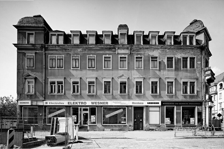Das Wohn- und Geschäftshaus, Sidonienstraße 1, war nicht mehr zu retten und musste abgerissen werden.