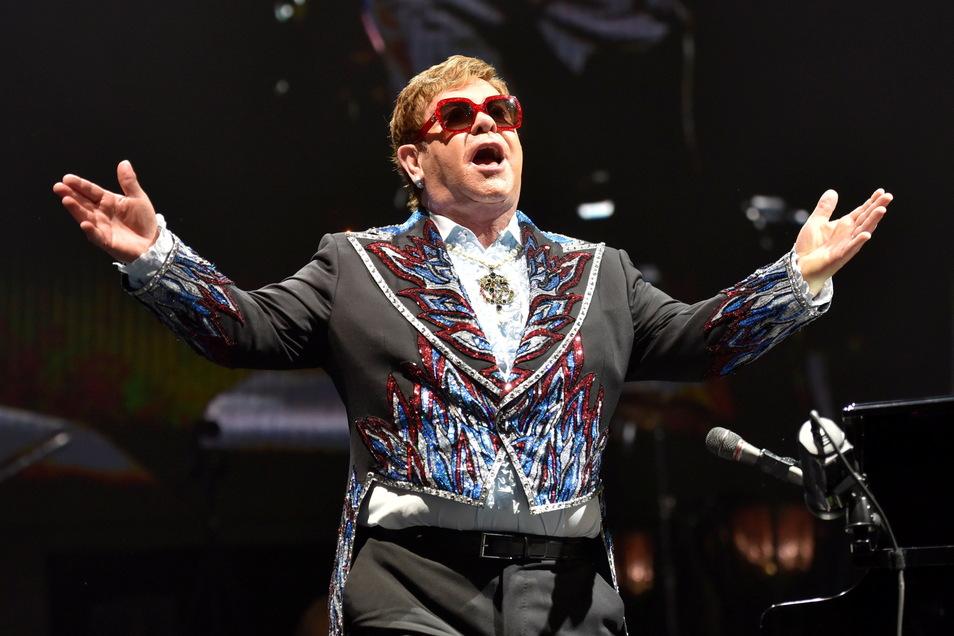 Elton John tritt während seiner Elton John Farewell Yellow Brick Road Tour auf. Die Popstar-Legende kommt im Mai 2022 nach Leipzig.