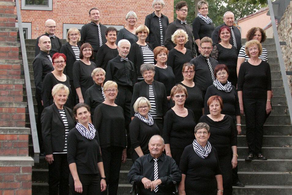 Die Singgemeinschaft Großenhain am Schlossgraben.