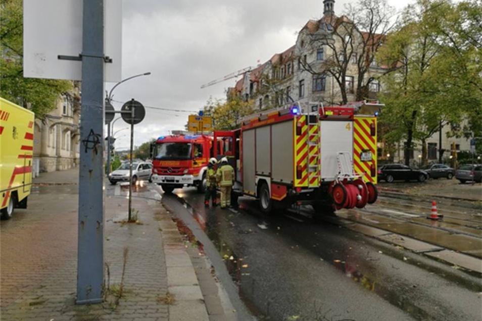 Rettungskräfte im Einsatz in Dresden.