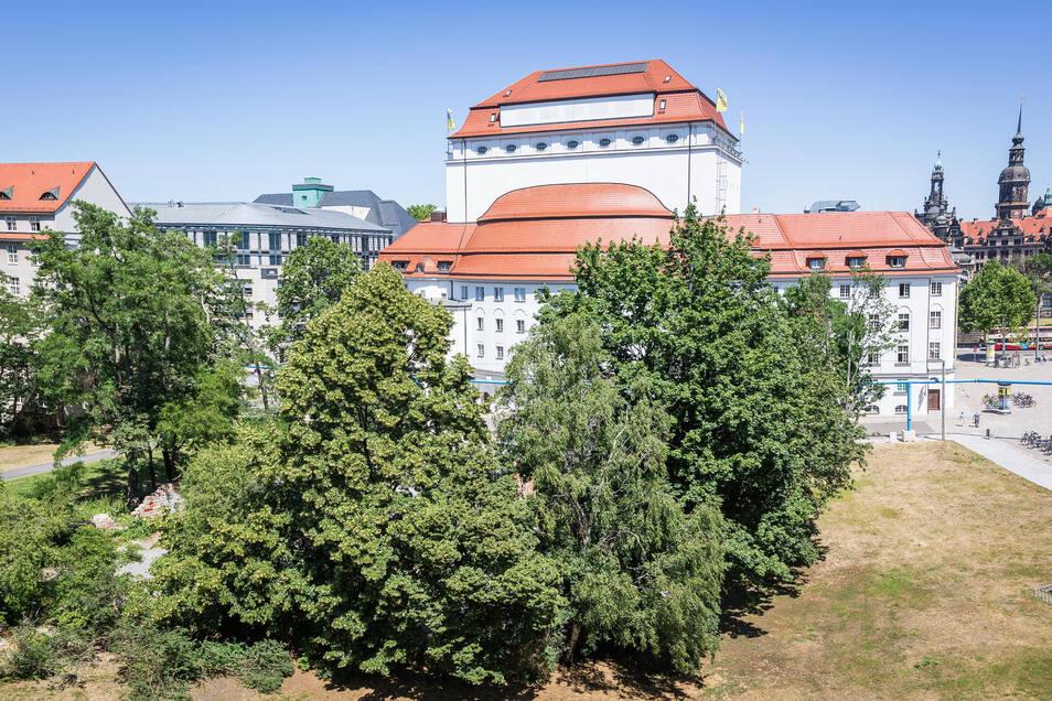 Das Grundstück zwischen Schweriner Straße und Theaterstraße ist die letzte Brache am Postplatz. Nun könnte sich dort etwas tun.
