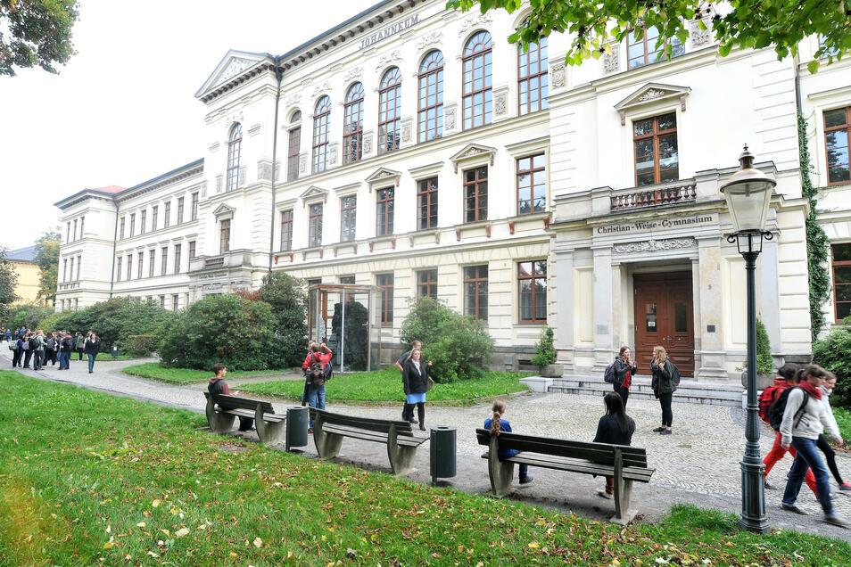Am Zittauer Christian-Weise-Gymnasium sind drei Schüler positiv auf das Corona-Virus getestet worden.