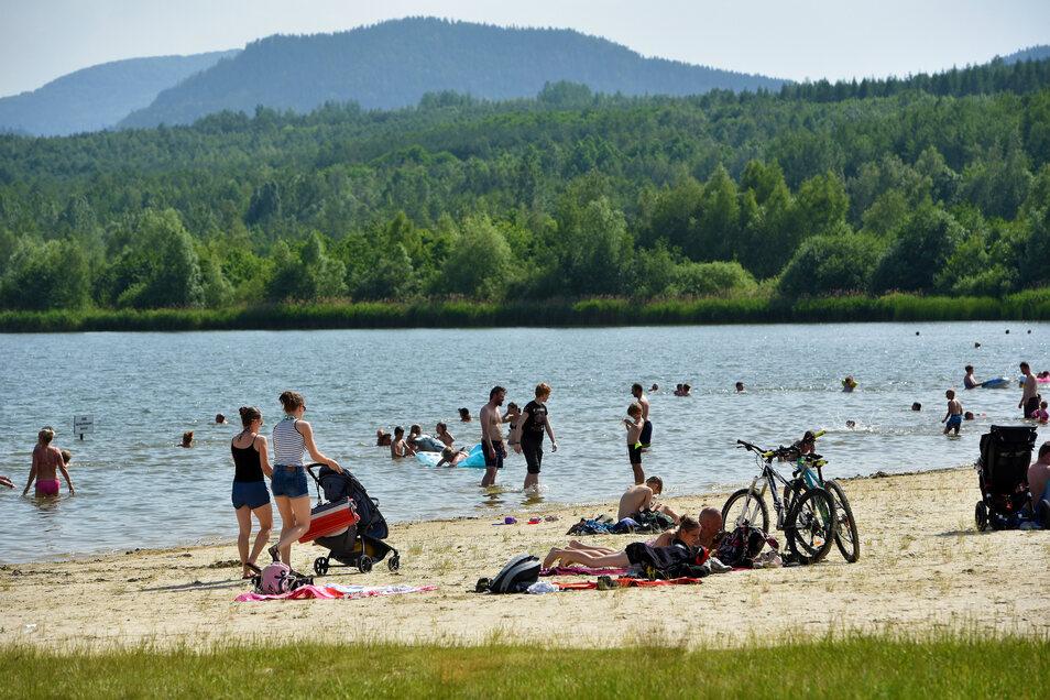 Viel Trubel herrschte am Sonnabend bei schönstem Badewetter am Olbersdorfer See.