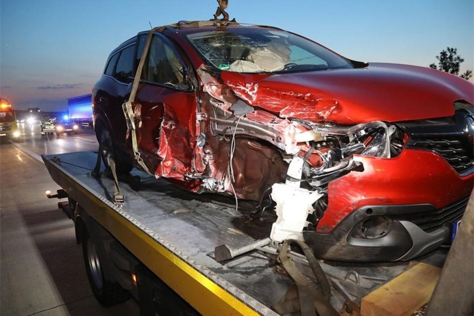 Am Donnerstagabend fuhr dieser Renault in mehrere Fahrzeuge.