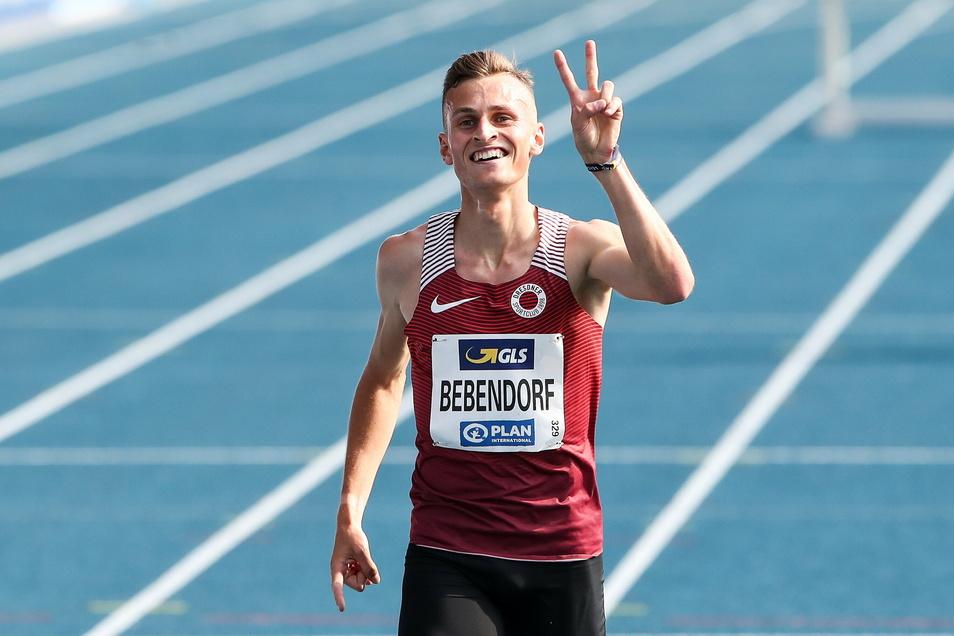 Karl Bebendorf hat seine Corona-Erkrankung öffentlich gemacht. Inzwischen geht es ihm wieder gut und er kann lächeln.