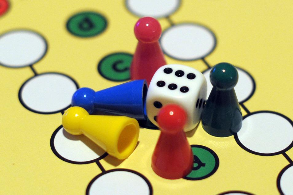 Mal wieder ein Spiele-Abend mit der Familie? Jetzt wäre die Gelegenheit dazu.