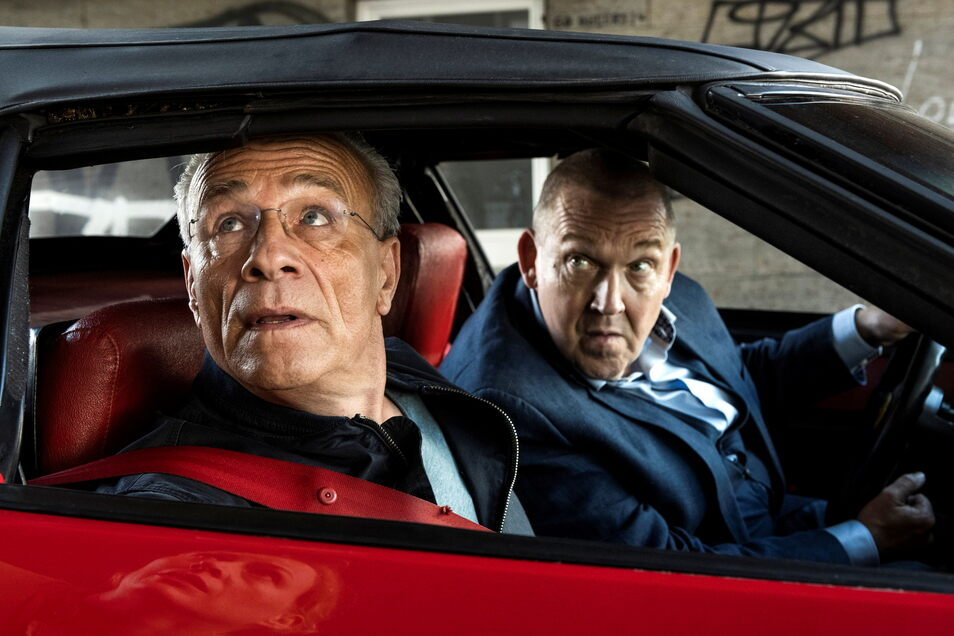 Kommissare Max Ballauf (Klaus J. Behrendt, links) und Freddy Schenk (Dietmar Bär) sind zum Einsatz gerufen worden.