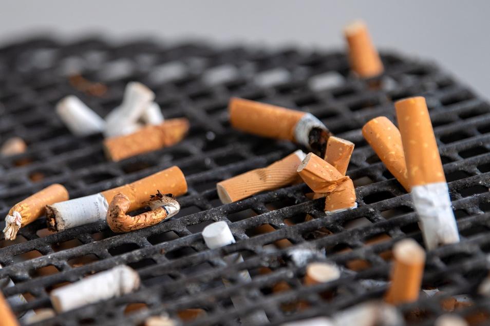 Die Regierungskoalition diskutiert über die Erhöhung der Tabaksteuer.