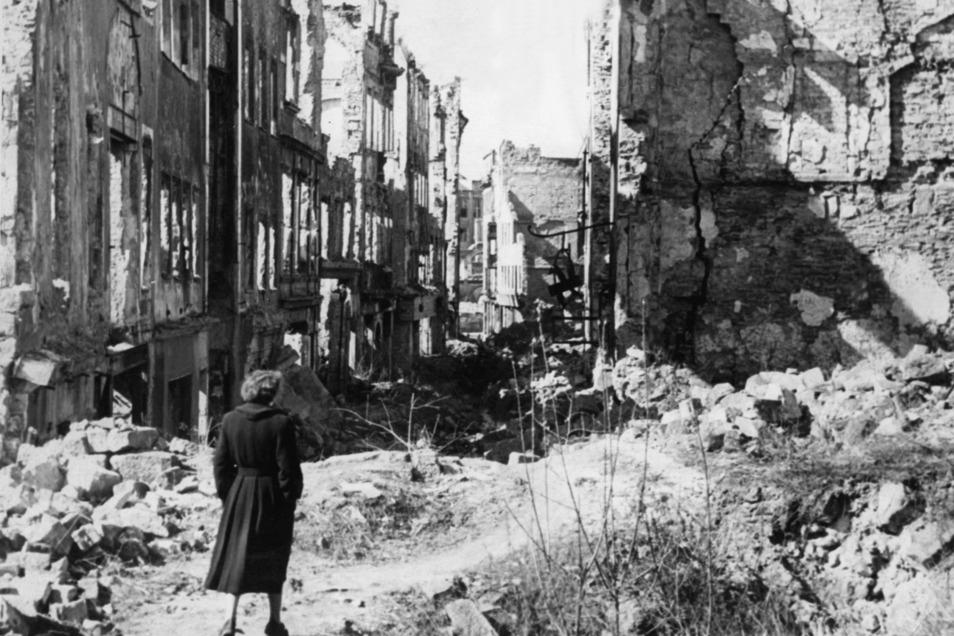 Alltag im Ausnahmezustand: Die meisten Trümmer in Dresden waren bald beseitigt. Die Traumata nicht.