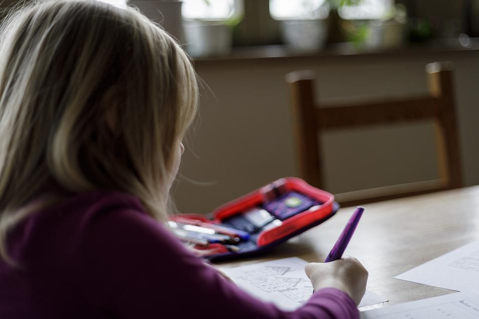 Homeschooling gehört für viele Kinder nach wie vor zum Alltag.