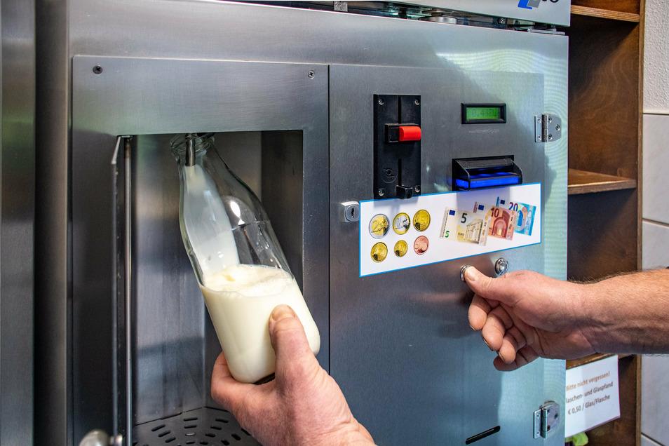 seit zehn Jahren gibt es die Milchzapfstelle in Nauhain. Seit einigen Jahren hat sich das Produktangebot wesentlich erweitert.