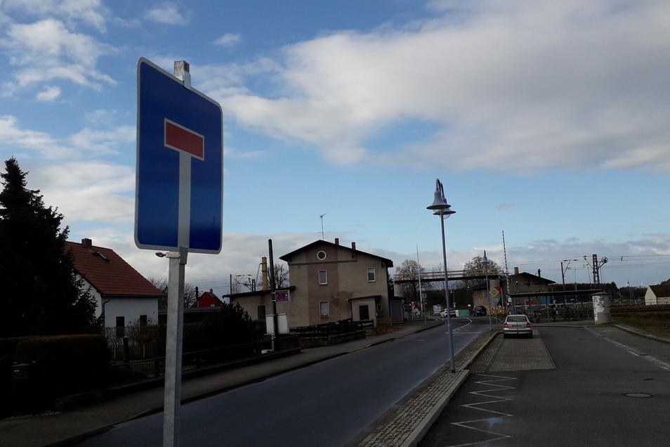 Ab 15. März sind die Bahnübergange in Glaubitz für den Verkehr geschlossen.