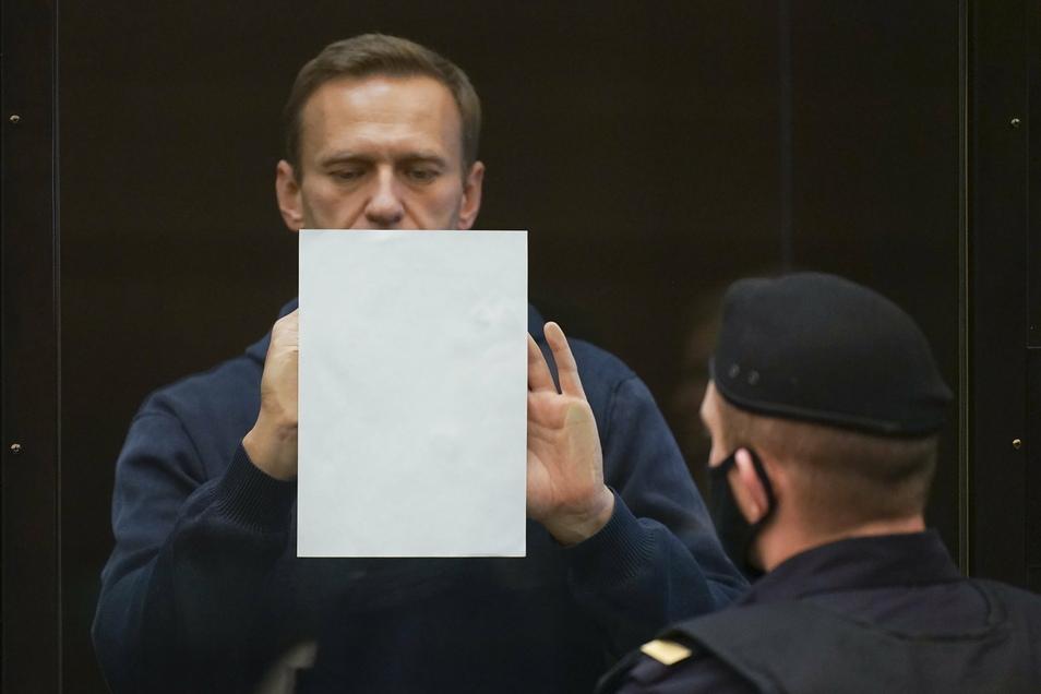 Nach Protesten gegen die Nawalny-Inhaftierung hat Russland Diplomaten ausgewiesen.