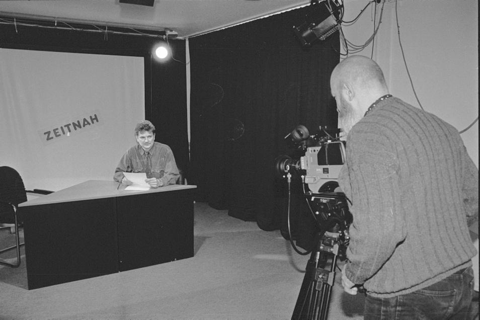 So sah das Aufnahmestudio von Hoy-TV im März 1996 aus. Vor über 25 Jahren war schon Bernd Wogawa vor und Peter Schreiber hinter der Kamera.