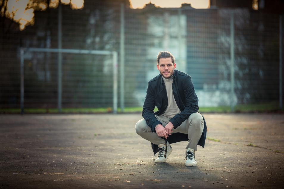 Hier fing alles an: Justin Eilers auf dem Bolzplatz im Braunschweiger Stadtteil Kanzlerfeld. Derzeit ist er vereinslos und arbeitet zu Hause am Comeback. Im Sommer will der 31-Jährige einen neuen Klub finden.