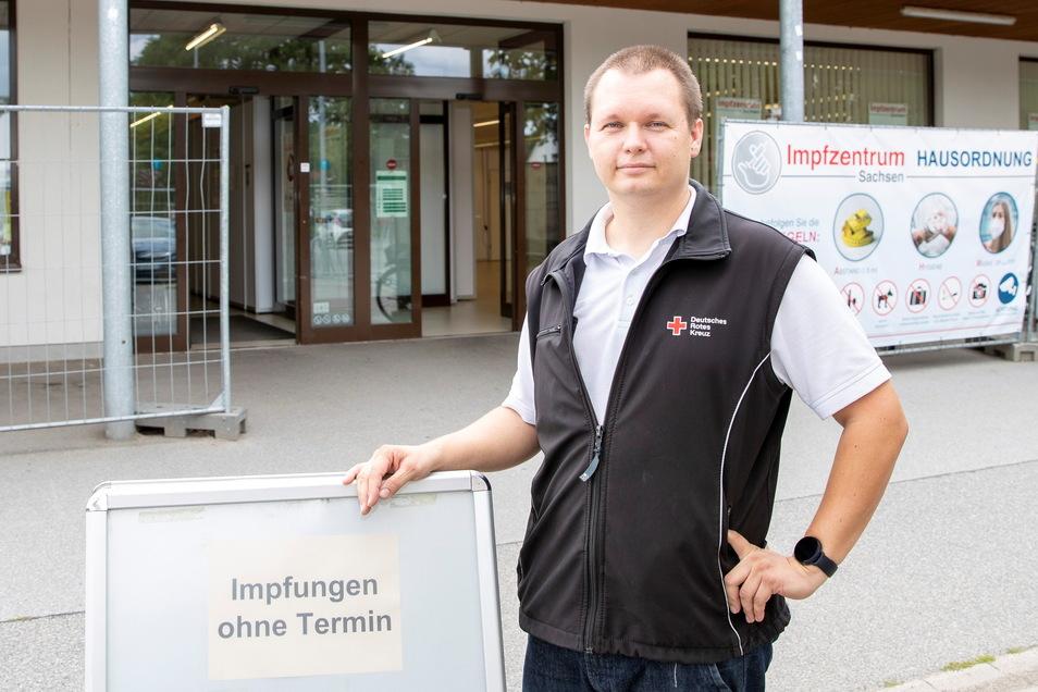 Christian Thie, Leiter des Impfzentrums in Pirna, bedauert, dass nicht mehr Personen sich spontan impfen lassen. Genügend Impfdosen sind vorhanden!