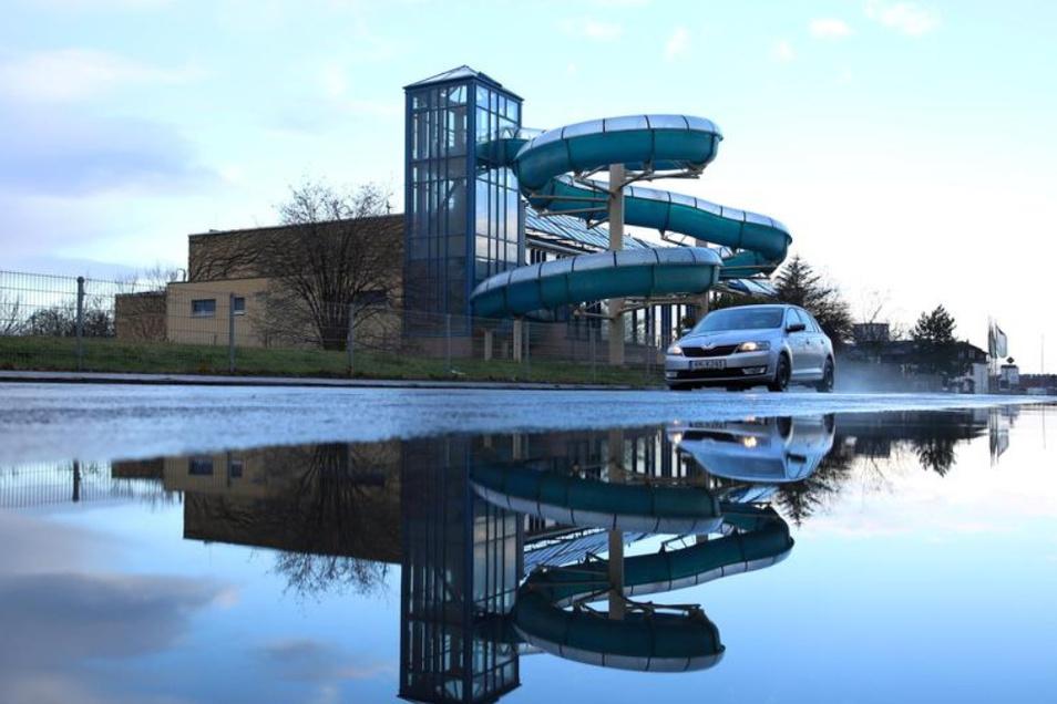 Das Hallenschwimmbad in Kamenz wird erneut diskutiert. Der vorliegende Entwurf für den Neubau ist zu teuer.