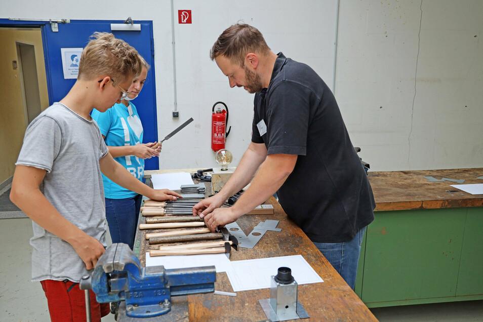 Mit zwei Ferienworkshops öffnete im Sommer die Offene Werkstatt in Riesa.
