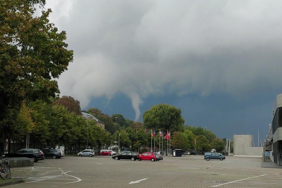 Vom Kieler Süden aus zog der Tornado am Abend in Richtung Förde.